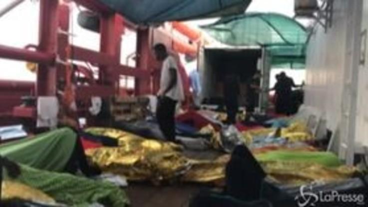 Open Arms chiede aiuto aereo per i migranti