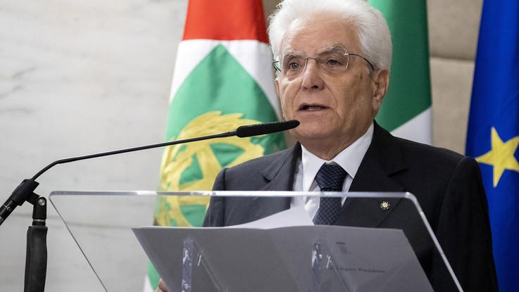 Consultazioni, il pressing di Mattarella: Governo saldo o voto. Evitare l'esercizio provvisorio