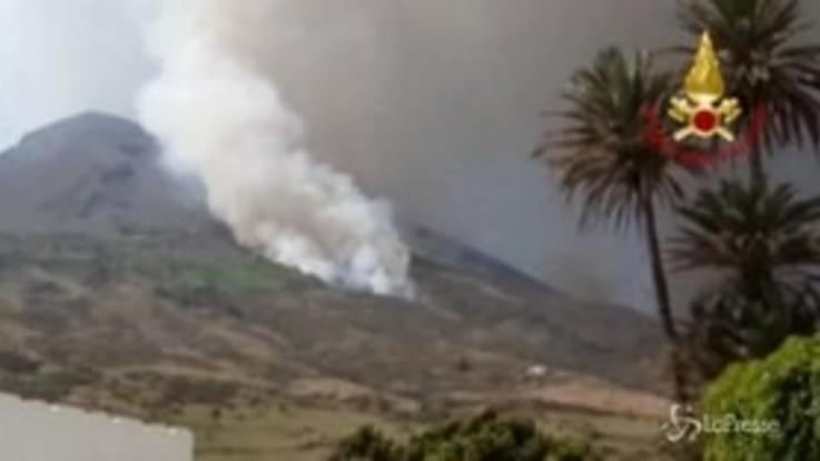 Nuova eruzione a Stromboli, panico tra i turisti
