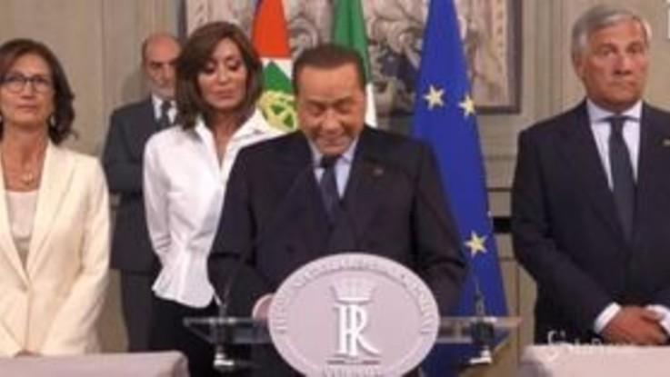 """Il lapsus di Berlusconi: """"Serve riforma giustizialista"""". Gelmini e Bernini lo correggono in coro"""