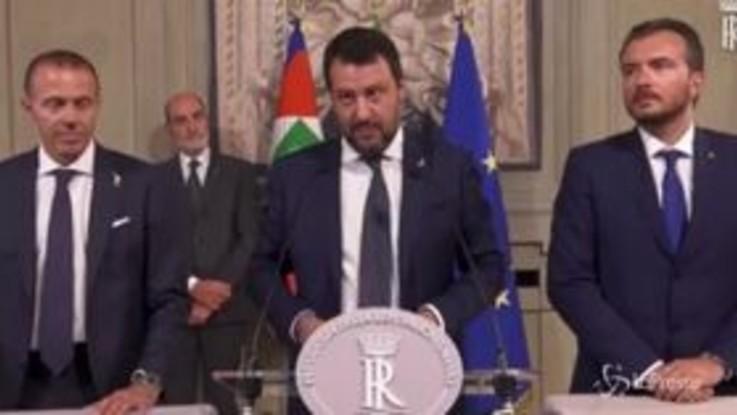 """Salvini: """"Pd-M5s? Collante le poltrone e l'odio per la Lega"""""""