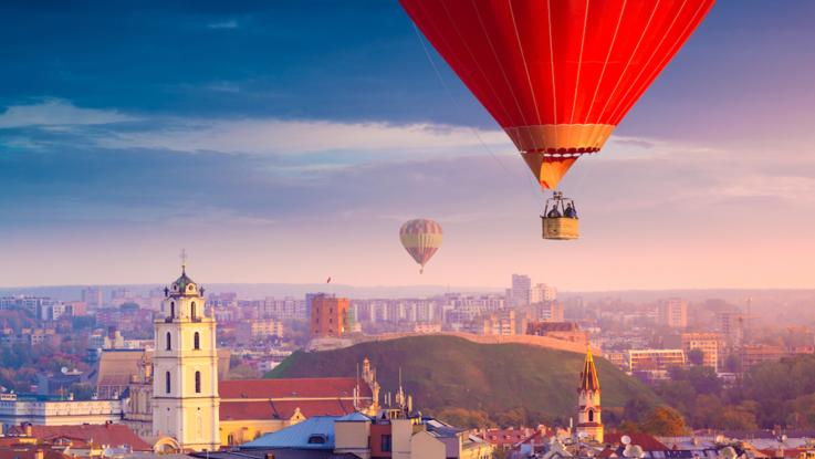 Cinque ragioni per fare un giro in mongolfiera nei cieli di Vilnius