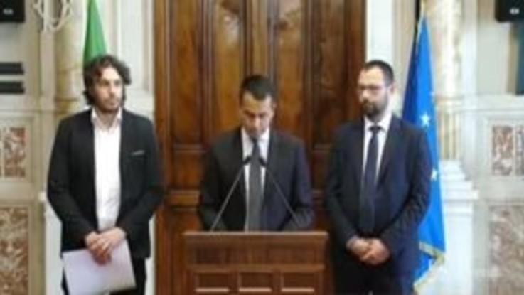 """Governo, i """"macigni"""" Di Maio: confermata linea su sicurezza, stop a totoministri"""