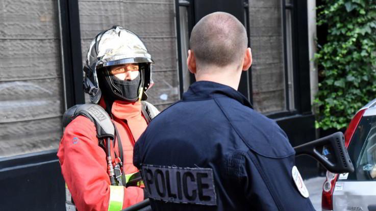 Francia, attacco con coltello vicino a Lione: un morto e 9 feriti