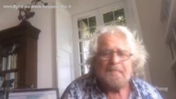 """Beppe Grillo al Pd: """"E' occasione unica, compattiamo i pensieri"""""""
