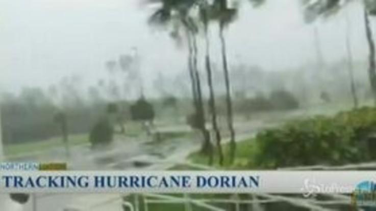 Uragano Dorian, le Bahamas sferzate da venti a 280 km/h