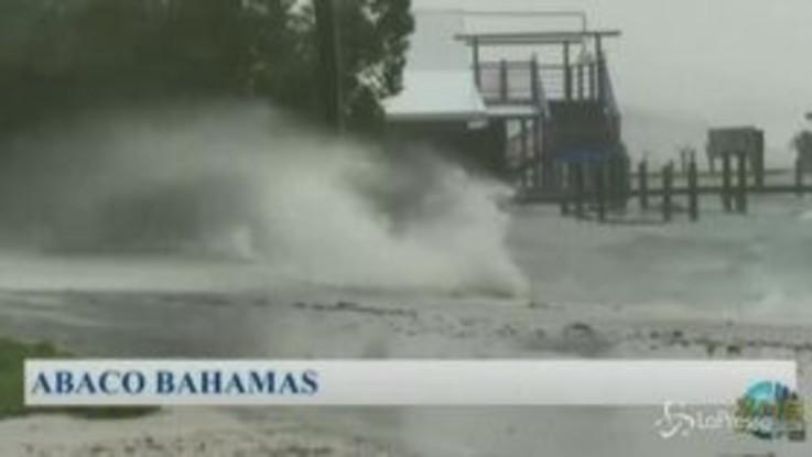 La furia dell'uragano Dorian si abbatte sulle Bahamas