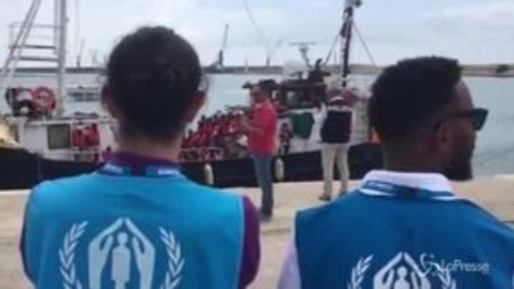 Sbarcati i migranti della Mare Jonio e della Eleonore
