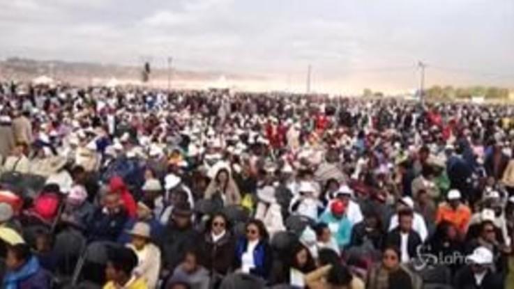 Messa del Papa in Madagascar, oltre un milione di persone per vedere il Pontefice