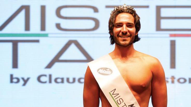 Il nuovo Mr Italia è Giulio Schifi, 23enne di Rieti: incoronato da Vladimir Luxuria