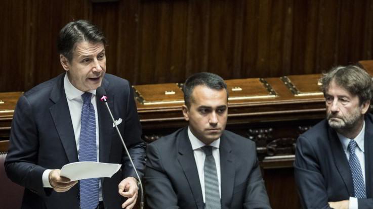 Conte difende M5S  e attacca Lega: insorge l'opposizione
