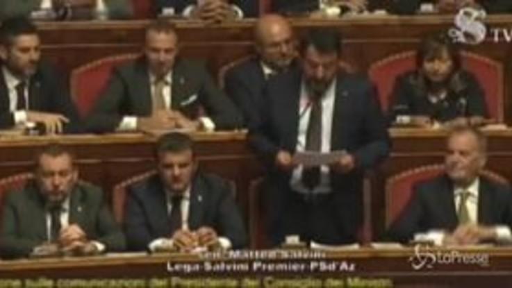 """Senato, Salvini attacca Conte: """"Lo stile non si misura dal capello ben pettinato"""""""