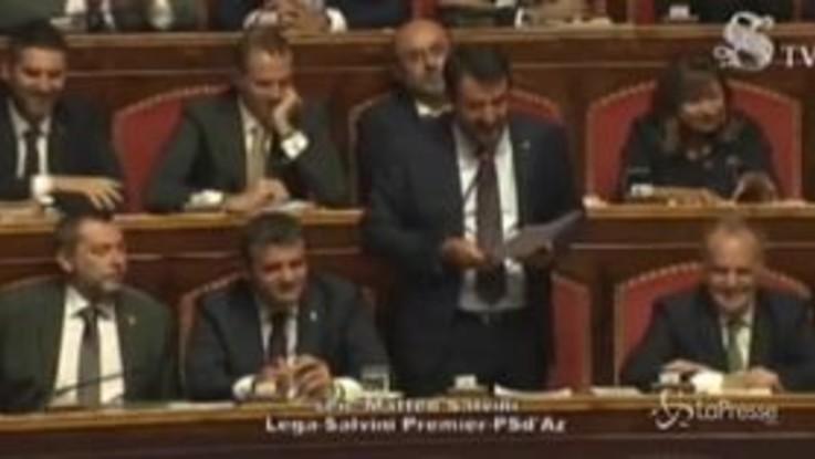 """Senato, Casellati si sbaglia e lo chiama """"Casini"""". Salvini divertito replica: """"Casini no!"""""""