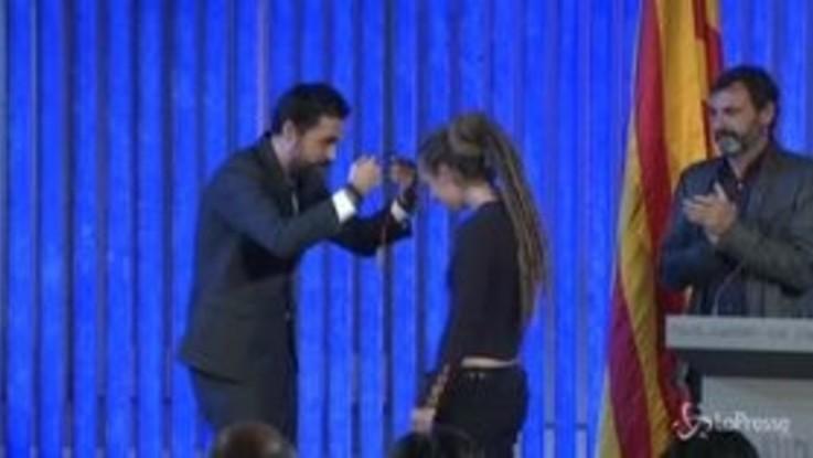 Open Arms, il Parlamento catalano premia Carola Rackete