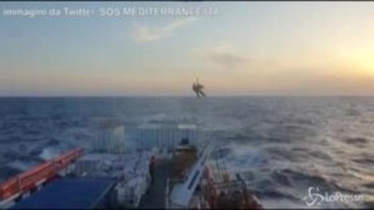 Donna incinta e marito evacuati da Ocean Viking a largo di Malta