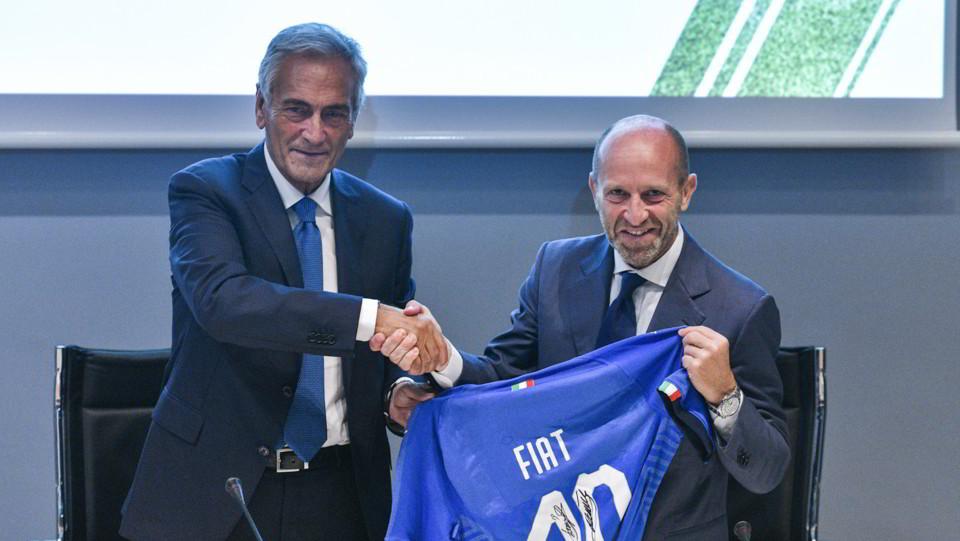 Gabriele Gravina, President of the Italian Football Federation, Luca Napolitano - Head of EMEA Fiat & Abarth Brands ©