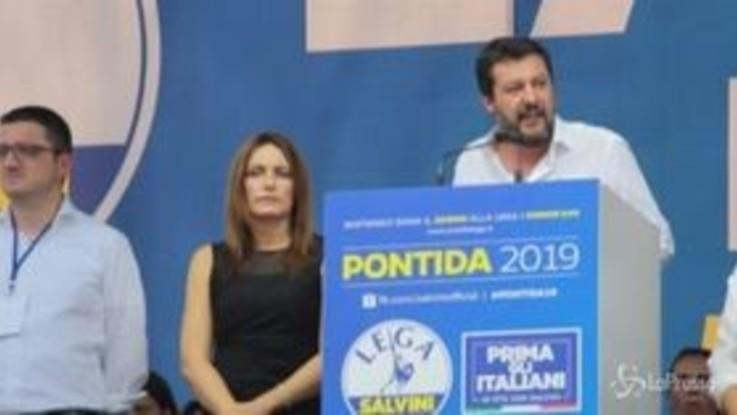 """Salvini: """"Se smontano dl sicurezza, 5 milioni di firme per un referendum"""""""