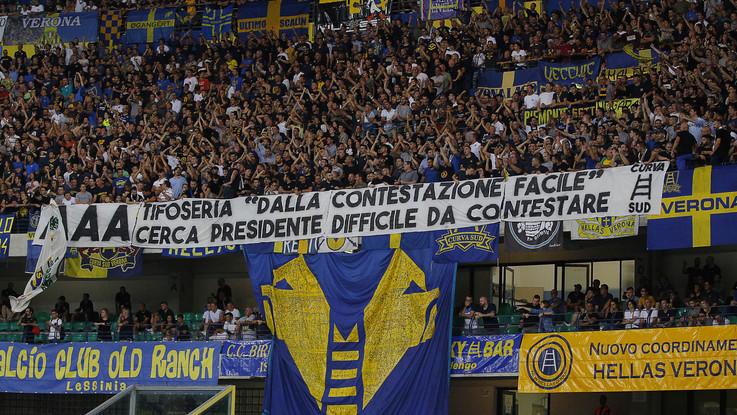 """Buu razzisti allo stadio, il Verona si difende: """"Qualcuno frastornato dai decibel del nostro tifo"""""""