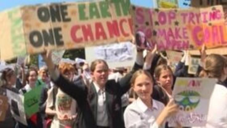 Fridays For Future, i giovani australiani i primi a scendere in piazza