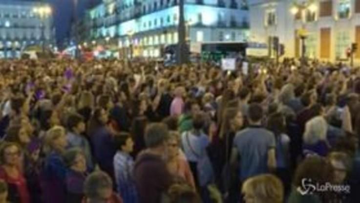 Spagna: in migliaia in piazza contro la violenza sulle donne