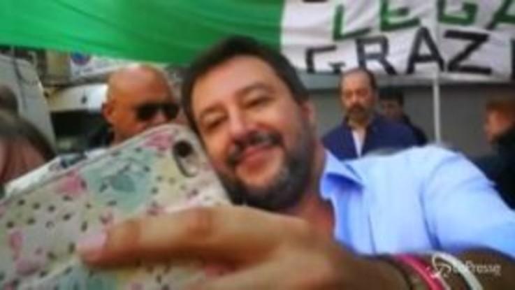 Salvini: a Milano sorrisi, selfie e la gufata,