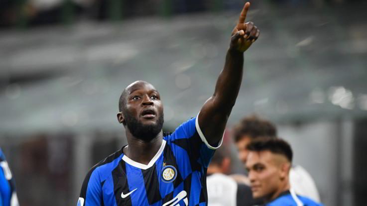 L'Inter si aggiudica il derby e torna in testa: Milan battuto 2-0