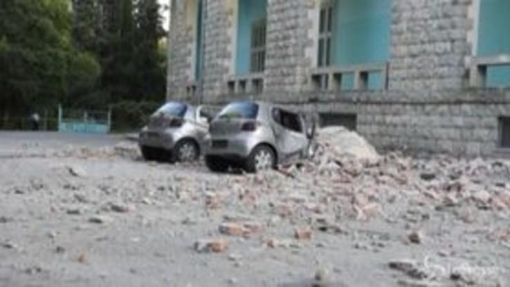 Trema la terra in Albania, crolli e feriti