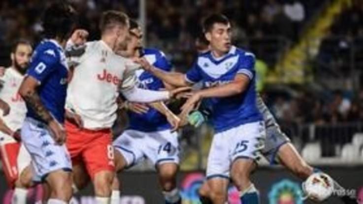 Serie A, la Juve vince in rimonta a Brescia