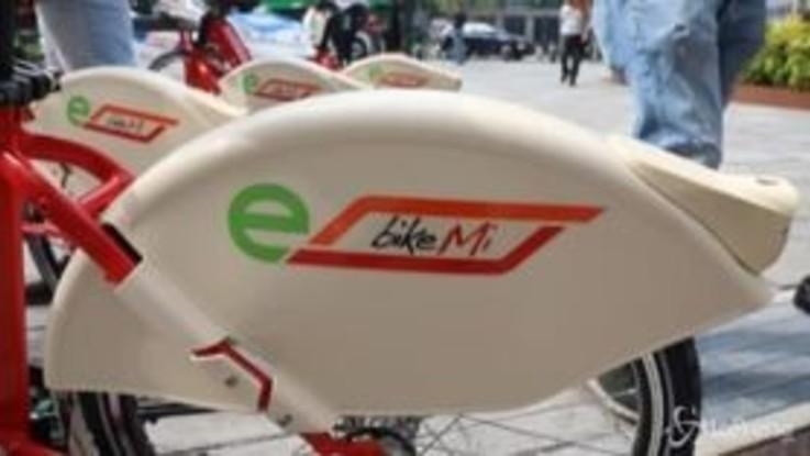 Milano, presentate le nuove BikeMI elettriche