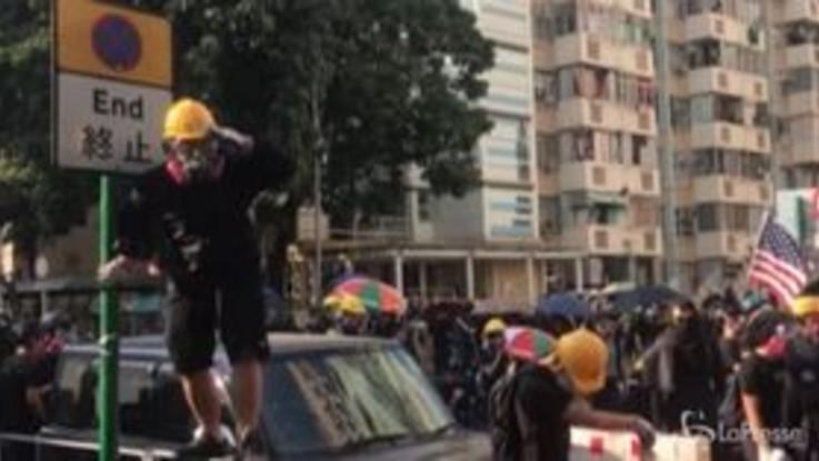 Hong Kong, violenti scontri nel 70° anniversario della Cina
