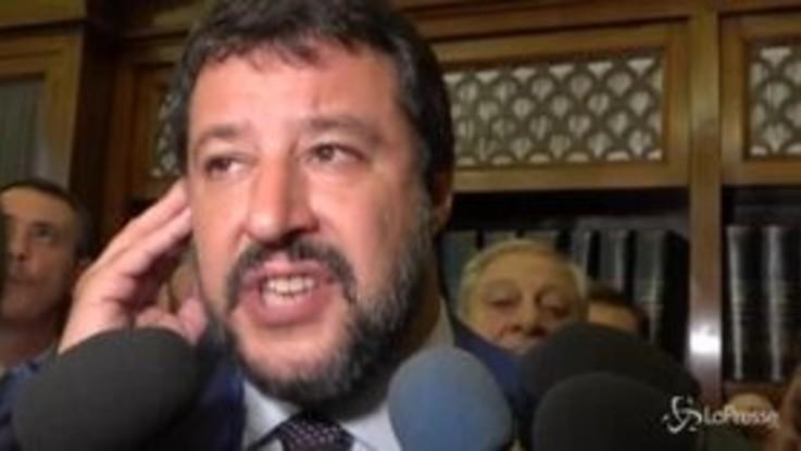 """Manovra, Salvini: """"Le tasse non preoccupano i ricchi e fregano i poveri"""""""