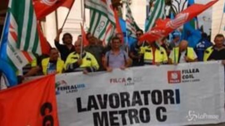 Roma Metropolitane, protesta dei lavoratori in Campidoglio
