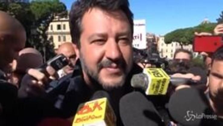 """Fondi russi, Salvini: """"Aspetto ancora che mi portino un rublo, poi ne riparliamo"""""""