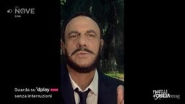 """Crozza-Salvini: """"Ci volete togliere il maiale dai tortellini? E perché non i sacrosanti fondi russi dalla Lega?"""""""