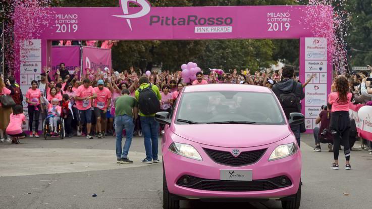 Milano, la marea rosa Pittarosso Pink Parade: 5km per la prevenzione femminile