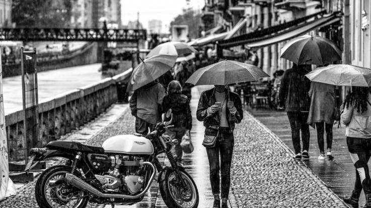 Photo by Riccardo Chiarini on Unsplash