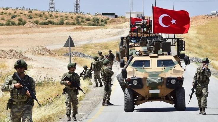 Siria, Erdogan attacca i curdi: condanna internazionale. Almeno 15 morti