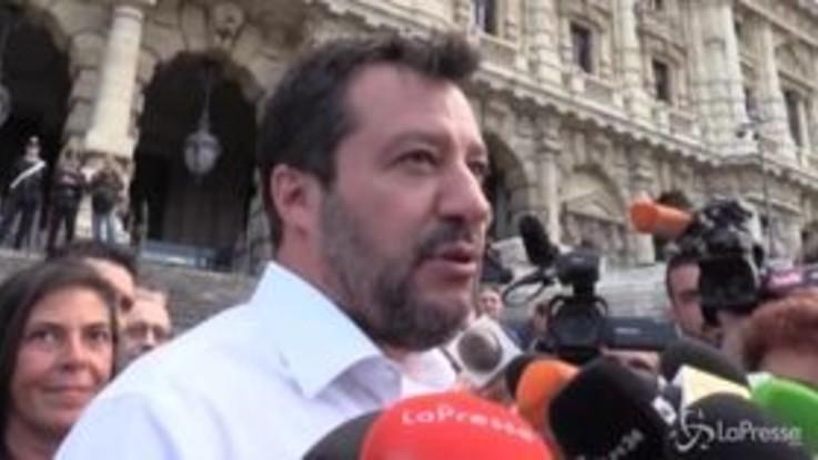 """Migranti, Salvini replica a Lapo Elkann: """"ha la stessa credibilità di un gabbiano"""""""