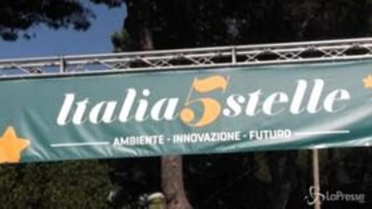 """Italia 5 Stelle, la protesta dei disoccupati: """"Promesse di Di Maio vogliamo siano mantenute"""""""
