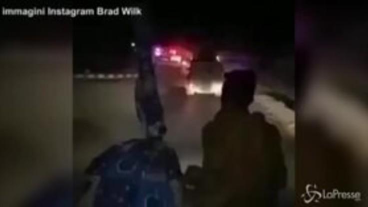 Miliziani curdi in battaglia al suono dei Rage Against The Machine