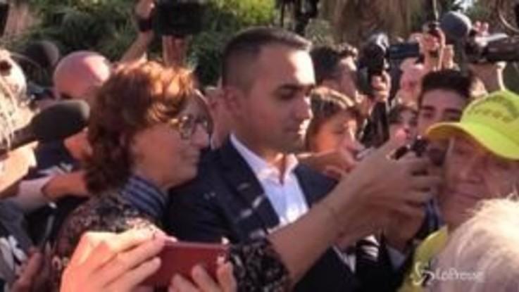 Italia a 5 stelle, alla kermesse grillina selfie e bagno di folla per Di Maio