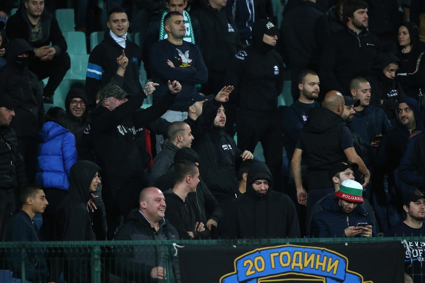 Cori razzisti e saluti militari, la Uefa apre inchieste contro Bulgaria e Turchia