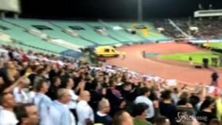 """Calcio, i tifosi inglesi replicano ai bulgari: """"Chi ha segnato ai razzisti?"""""""