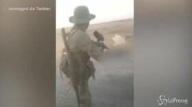 Jihadisti e mercenari utilizzati dai turchi nell'offensiva anti curda. I video in rete della violenza fondamentalista