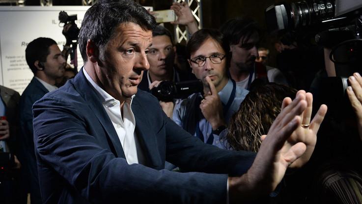 """Al via la Leopolda a Firenze, Renzi: """"Commosso davanti a tanto entusiasmo"""""""