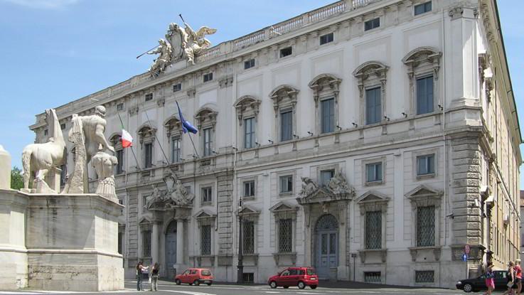 La Corte Costituzionale boccia l'ergastolo ostativo. Permessi premio anche per terroristi e mafiosi