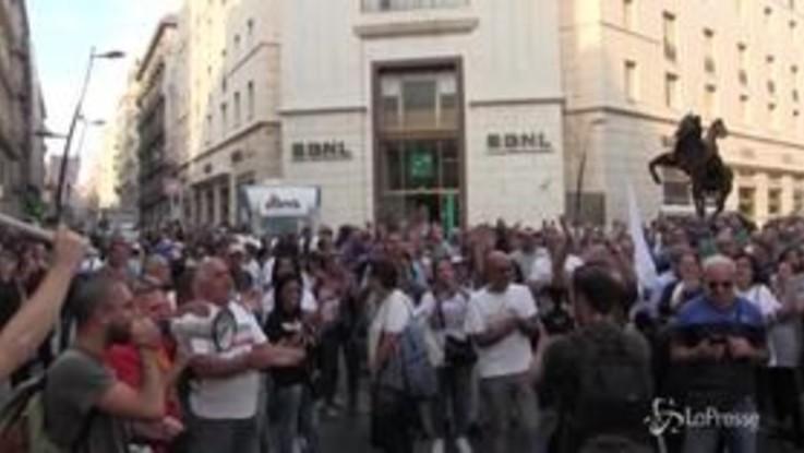 Whirlpool Napoli, continua la protesta: corteo attraversa la città e incontra De Magistris