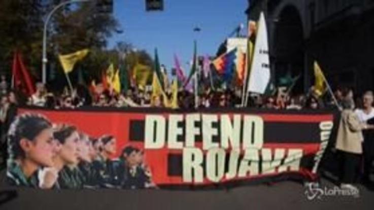A Milano il corteo contro la guerra in Siria in difesa dei curdi