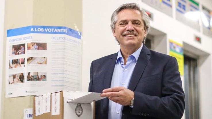 Argentina, Fernandez vince le elezioni al primo turno, Macri sconfitto