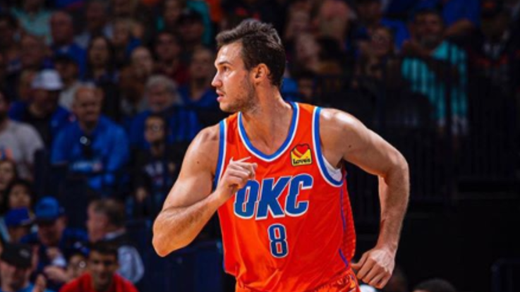 Nba, Gallinari travolge Golden State, ok i Lakers. Male i Nets